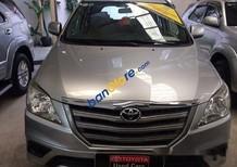 Cần bán lại xe Toyota Innova E đời 2014 số sàn
