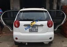 Cần bán Chevrolet Spark MT đời 2009, màu trắng số sàn
