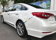Bán xe Hyundai Sonata 2.0 AT năm 2015, màu trắng, xe nhập, giá tốt