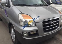 Cần bán gấp Hyundai Starex năm sản xuất 2006, màu bạc
