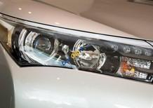 Cần bán Toyota Corolla Altis 2.0CVT đời 2017, màu bạc, 880tr