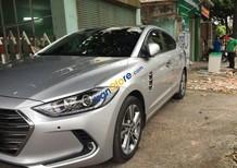 Cần bán xe Hyundai Elantra năm sản xuất 2016, màu bạc còn mới