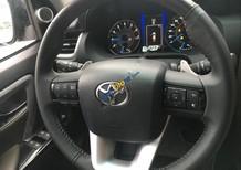 Bán Toyota Fortuner V 4x2AT 2017, màu đen, xe nhập