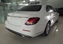 Cần bán lại xe Mercedes E200 đời 2017, màu trắng, còn mới