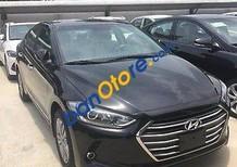 Bán xe Hyundai Elantra 1.6MT đời 2017, màu đen, giá 585tr