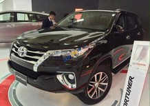 Bán xe Toyota Fortuner 2.4G năm 2017, màu đen