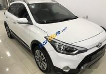 Bán xe Hyundai i20 Active sản xuất năm 2015, màu trắng còn mới, giá 605tr