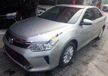 Bán Toyota Camry 2.0E 2015, màu bạc chính chủ