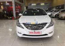 Cần bán xe Hyundai Sonata 2.0AT sản xuất 2011, màu trắng, nhập khẩu nguyên chiếc