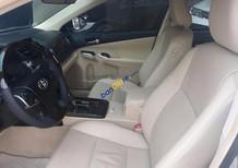 Bán ô tô Toyota Camry 2.0E đời 2015, màu bạc chính chủ