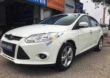 Cần bán lại xe Ford Focus 1.6AT đời 2014, màu trắng, giá tốt