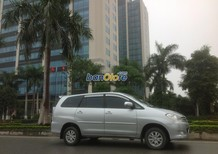 Bán ô tô Toyota Innova 2.0G đời 2011, màu bạc, chính chủ
