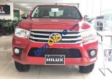 Cần bán Toyota Hilux 2.8MT 4x4 MT sản xuất 2017, màu đỏ, giá 777tr