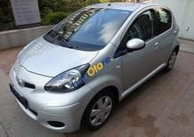 Cần bán xe Toyota Aygo đời 2010, màu bạc, nhập từ Đức