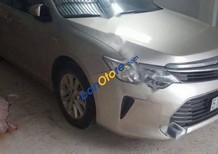 Bán Toyota Camry 2.0E đời 2015, màu bạc, 950 triệu
