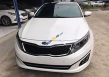 Cần bán gấp Kia Optima AT đời 2015, màu trắng, xe nhập chính chủ