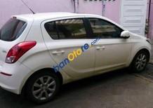 Bán Hyundai i20 đời 2013, màu trắng số tự động