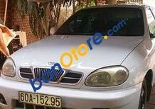 Bán Daewoo Lanos sản xuất năm 2001, màu trắng xe gia đình
