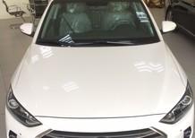 Hyundai Elantra 2017 k/m cực cao, xe giao ngay giá cực tốt