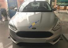 Cần bán xe Ford Focus 1.5L Trend năm 2017, màu bạc