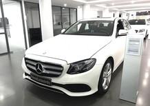 Cần bán lại xe Mercedes sản xuất 2017, màu trắng