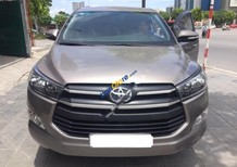 Cần bán lại xe Toyota Innova sản xuất 2017, màu xám số sàn