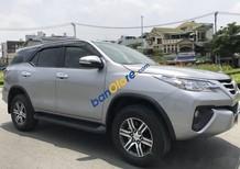 Cần bán Toyota Fortuner năm sản xuất 2017, màu bạc, nhập khẩu