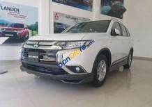 Cần bán lại xe Mitsubishi Outlander sản xuất 2016, màu trắng