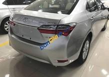 Cần bán xe Toyota Corolla altis năm 2017, màu bạc, 702 triệu