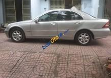 Cần bán Mercedes C200 năm sản xuất 2003, màu bạc