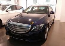 Cần bán gấp Mercedes C 250 năm sản xuất 2017, màu xanh lam