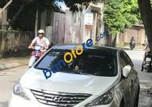 Bán ô tô Hyundai Sonata năm sản xuất 2010, màu trắng, giá tốt