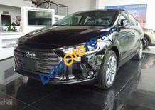 Cần bán Hyundai Elantra năm sản xuất 2018, màu xanh đen