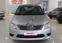 Cần bán Toyota Innova E 2.0MT sản xuất năm 2013, màu bạc