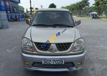 Cần bán gấp Mitsubishi Jolie năm 2005 xe gia đình