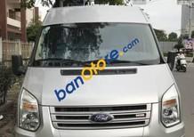 Xe Ford Transit sản xuất năm 2014, màu bạc
