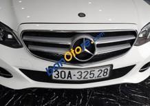 Cần bán gấp Mercedes 2.0 AT năm 2014, màu trắng