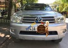 Gia đình bán Toyota Fortuner đời 2011, màu bạc