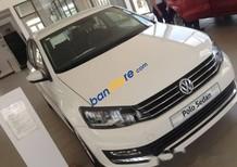 Bán xe Volkswagen Polo sản xuất 2016, màu trắng, xe nhập