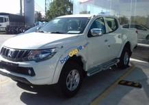 Cần bán xe Mitsubishi Triton 4x2 MT năm sản xuất 2017, màu trắng, nhập khẩu Thái