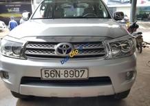 Cần bán gấp Toyota Fortuner G 2.5MT năm sản xuất 2009, màu bạc số sàn