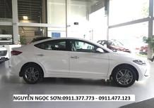Cần bán xe Hyundai Elantra mới 2018, màu trắng,trả góp 80% xe,LH Ngọc Sơn: 0911.377.773