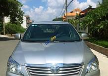 Bán xe Toyota Innova năm sản xuất 2013, màu bạc, giá chỉ 560 triệu