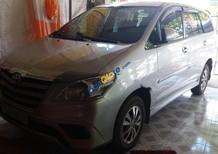 Bán Toyota Innova năm sản xuất 2015, màu bạc, giá tốt