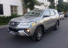 Bán Toyota Fortuner 2.4G đời 2017, màu bạc