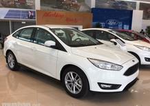 Bán xe Ford Focus đời 2017, màu trắng, nhập khẩu