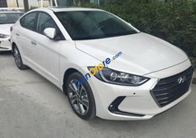 Bán xe Hyundai Elantra đời 2017, màu trắng