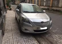 Cần bán Toyota Vios 1.5E 2013, màu bạc, xe gia đình còn khá đẹp nguyên zin