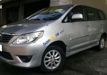Bán Toyota Innova 2.0E đời 2013, xe hình thức đẹp, gầm bệ chắc chắn, máy móc vận hành tốt