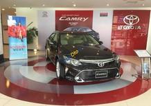 Bán Toyota Camry 2.0E năm 2017, màu đen